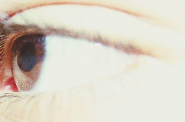 human eyes =) Eyes Eyes_bnw_friday Hanging Out Taking Photos