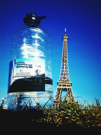 This Is Perspective day 19. Little Things Big Difference Big Picture Bottled Water Eiffel_tower  Hot Day Sunshine Perspective