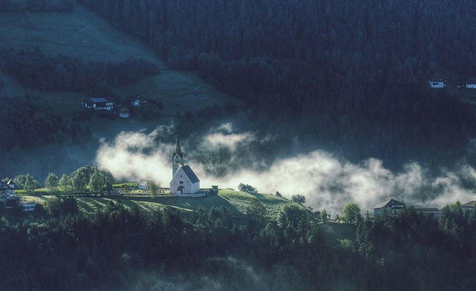 Pfarrkirche Maria Himmelfahrt in Rodeneck, Val Pusteria Alto Adige Südtirol Beautiful Destinations Beatifuldestinations Morning Light Fine Art Photography Nikonphotography