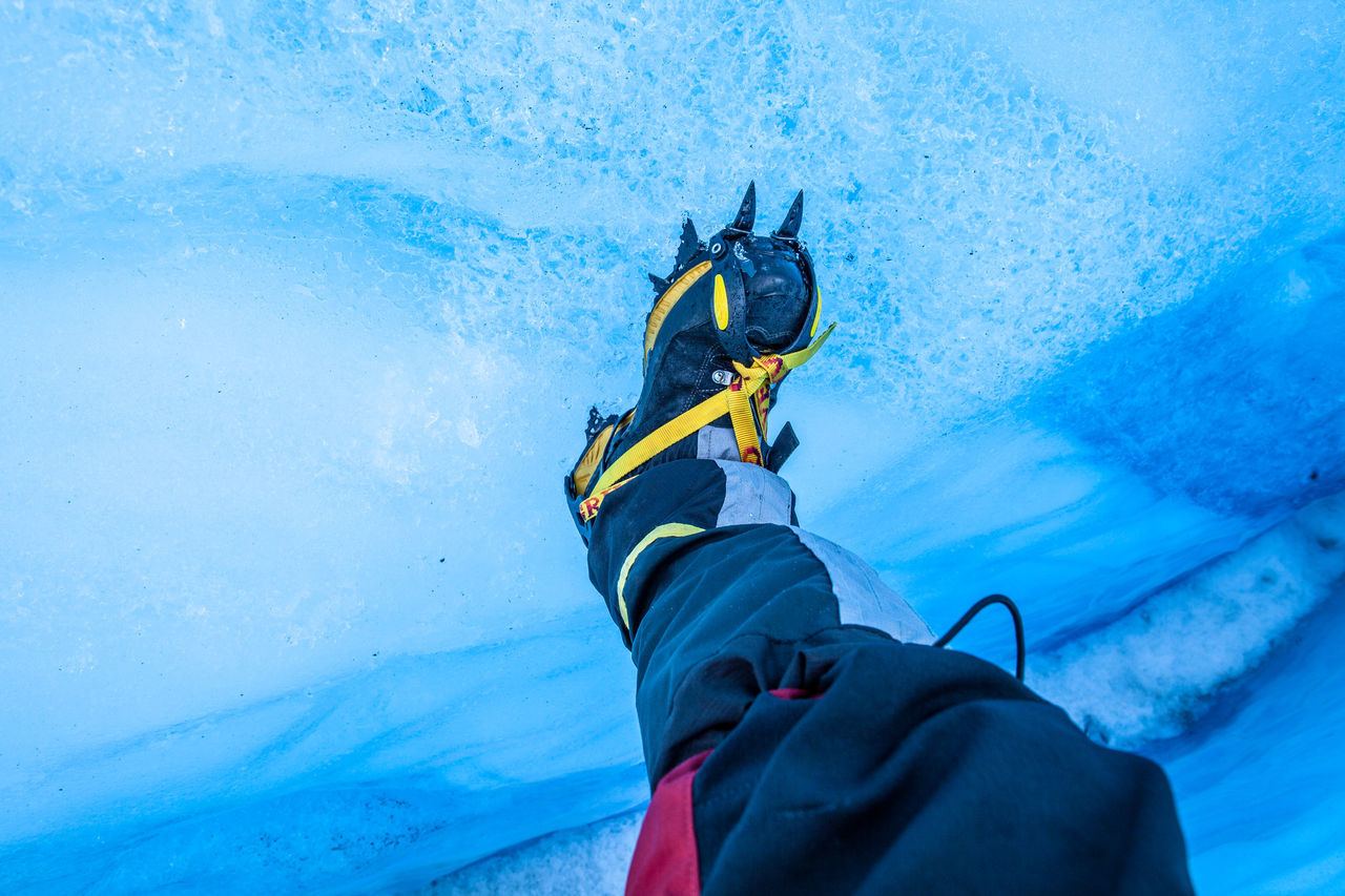 Beautiful stock photos of shoe, Cold Temperature, Day, Frozen, High Angle View