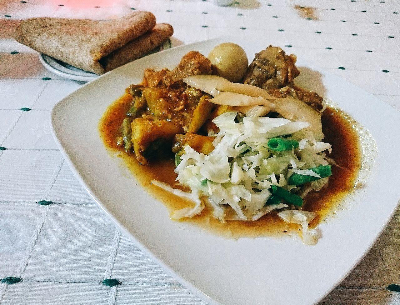 Esta Noche Surinam Food Roti kip Food Photography Foodspotting Foodpics