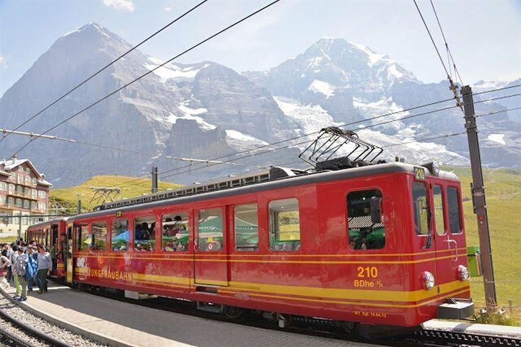 Swiss Switzerland Alps Swiss Alps 2015.08.08 Train Trainstation Jungfraujoch Kleinescheidegg
