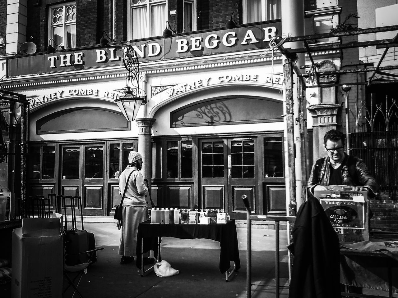 Untitled 11/3/2016 Black And White Photography Up Close Street Photography Street Photography LONDON❤ Whitechapel