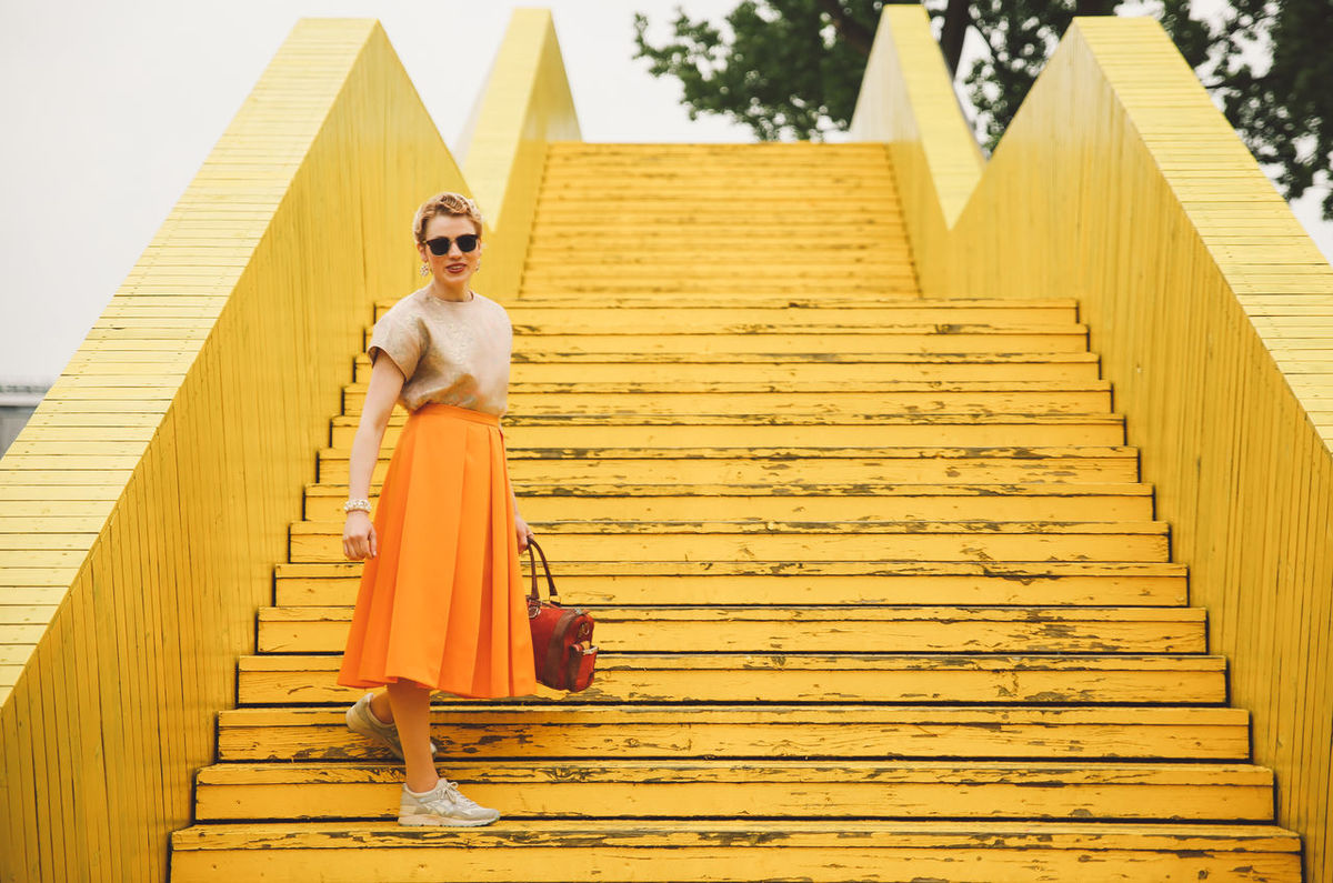 Architecture Beautiful Woman Building Exterior Built Structure Cultures Day Fashion Fashion Full Length Glamour Leisure Activity Lifestyles One Person Outdoors Photoshoot Real People Rotterdam Steps Well-dressed Yellow Young Adult Young Women Paint The Town Yellow