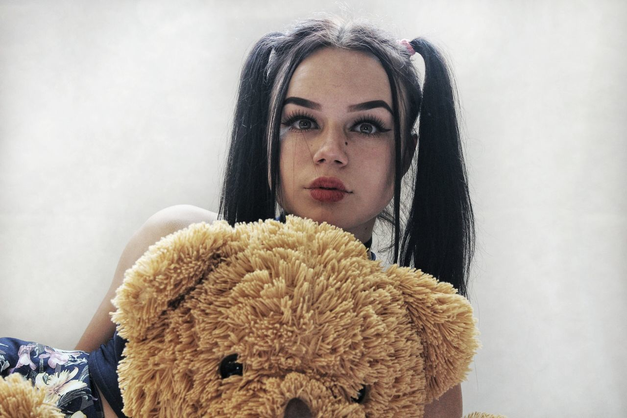 Beautiful stock photos of baer,  20-24 Years,  Beautiful Woman,  Black Hair,  Brown