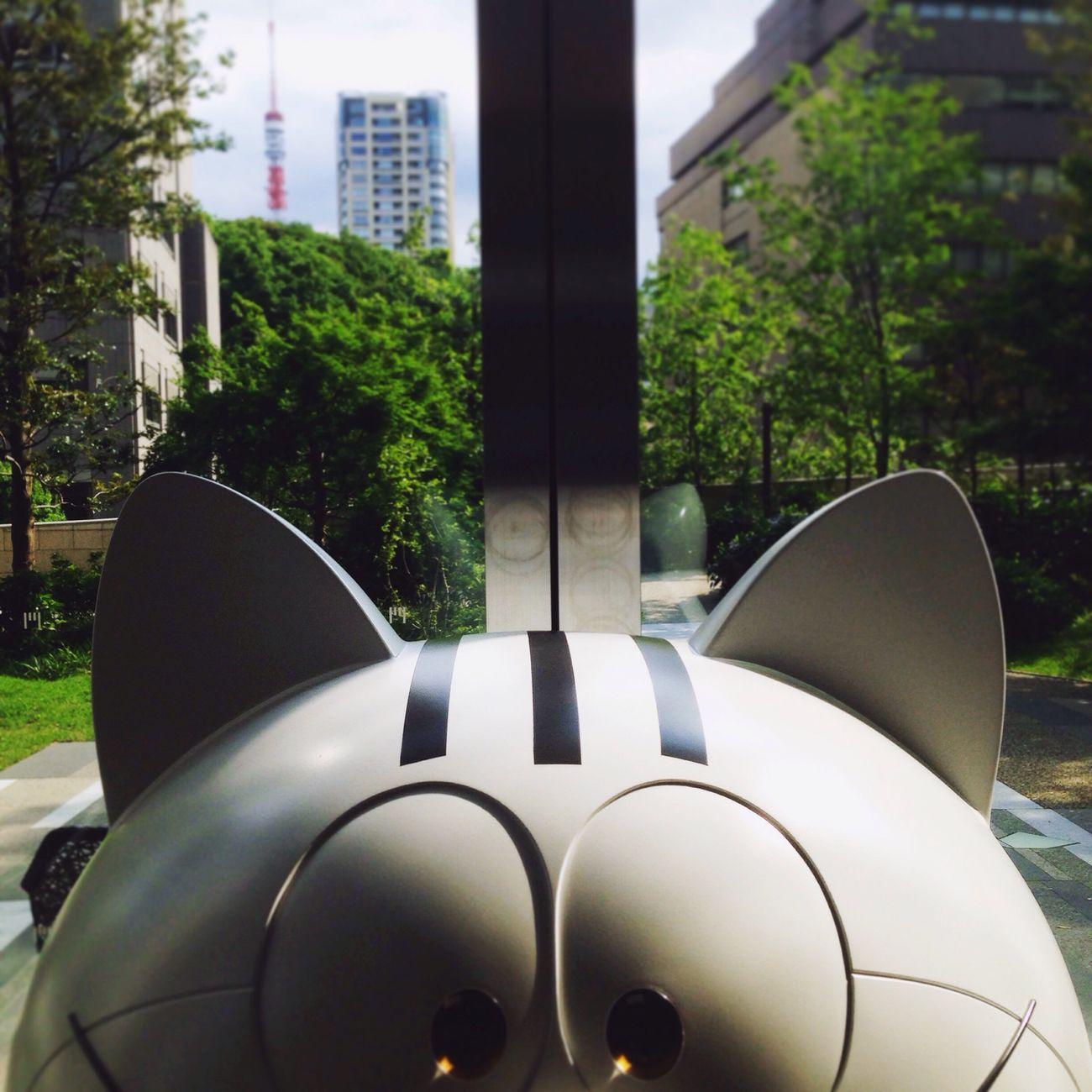 Toranomon Doraemon 3Stripes Sculptures Tokyotower