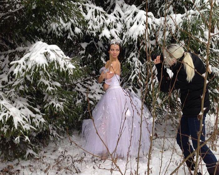 Portrait Of A Friend Christmas Photoshoot Balletinsider новогодняясъемка балет балерина Taking Photos Hello World Happynewyear2015 Russian Winter