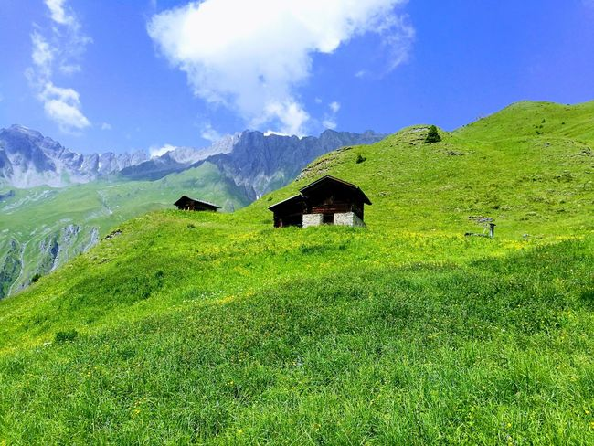 Nature Green Color Grass No People Outdoors Mountain Ontheroadagain Beauty In Nature Planet Earth