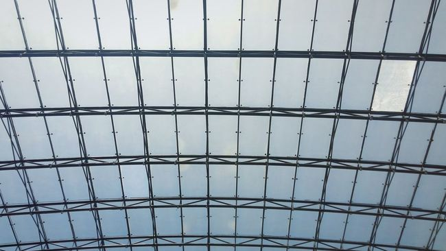 1isdiffFiberglass Resortsworldmanila Sunlight Bluesky♡ Lines And Angles Pattern Rectangle Shape Metalwork Roof Natural Light