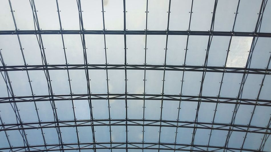 1isdiffFiberglass Resortsworldmanila Sunlight Bluesky♡ Lines And Angles Pattern Rectangle Shape Metalwork Roof Natural Light