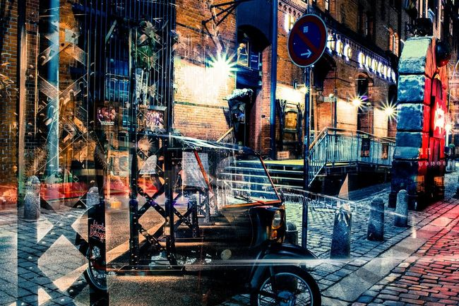 Have a scary night at the Hamburg Dungeon. It is totally worth for a visit. Hamburg City Hamburg Hamburgdungeon Dungeon Hafen Hamburgerhafen Creativehamburg HDR Colors