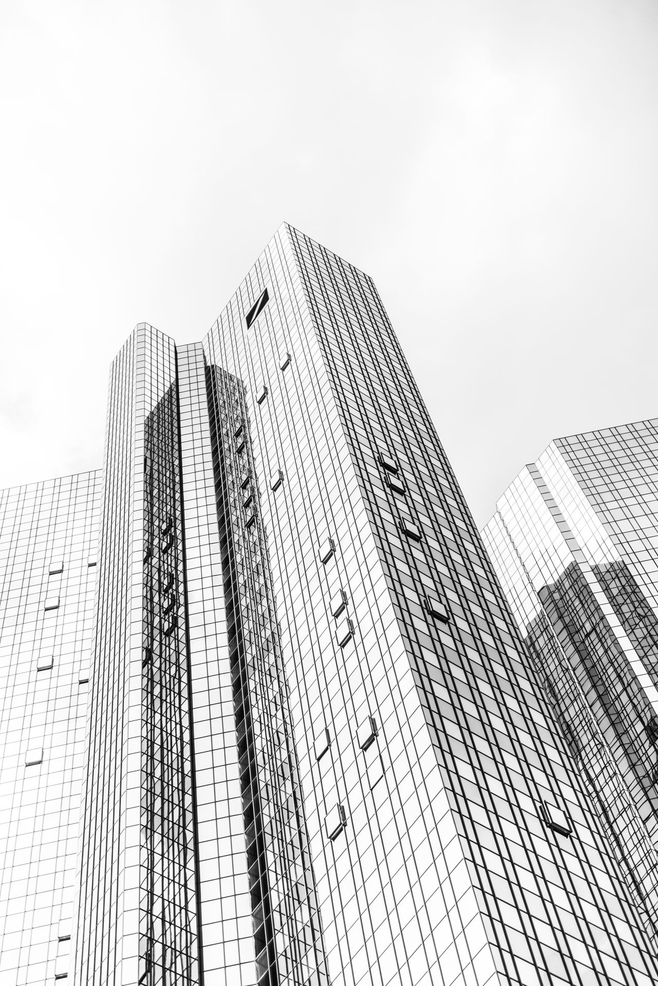 sky&lines Architecture Building Building And Sky Building Exterior Buildings Buildings & Sky Built Structure Business City City Life Cityscape Corporate Business Facade Building Modern No People Office Building Exterior Outdoors Skyscraper Structures & Lines Urban Skyline