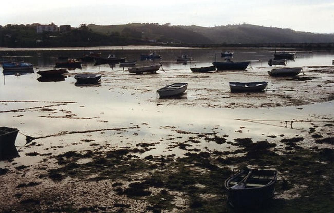 San Vicente de la Barquera Boats Sea