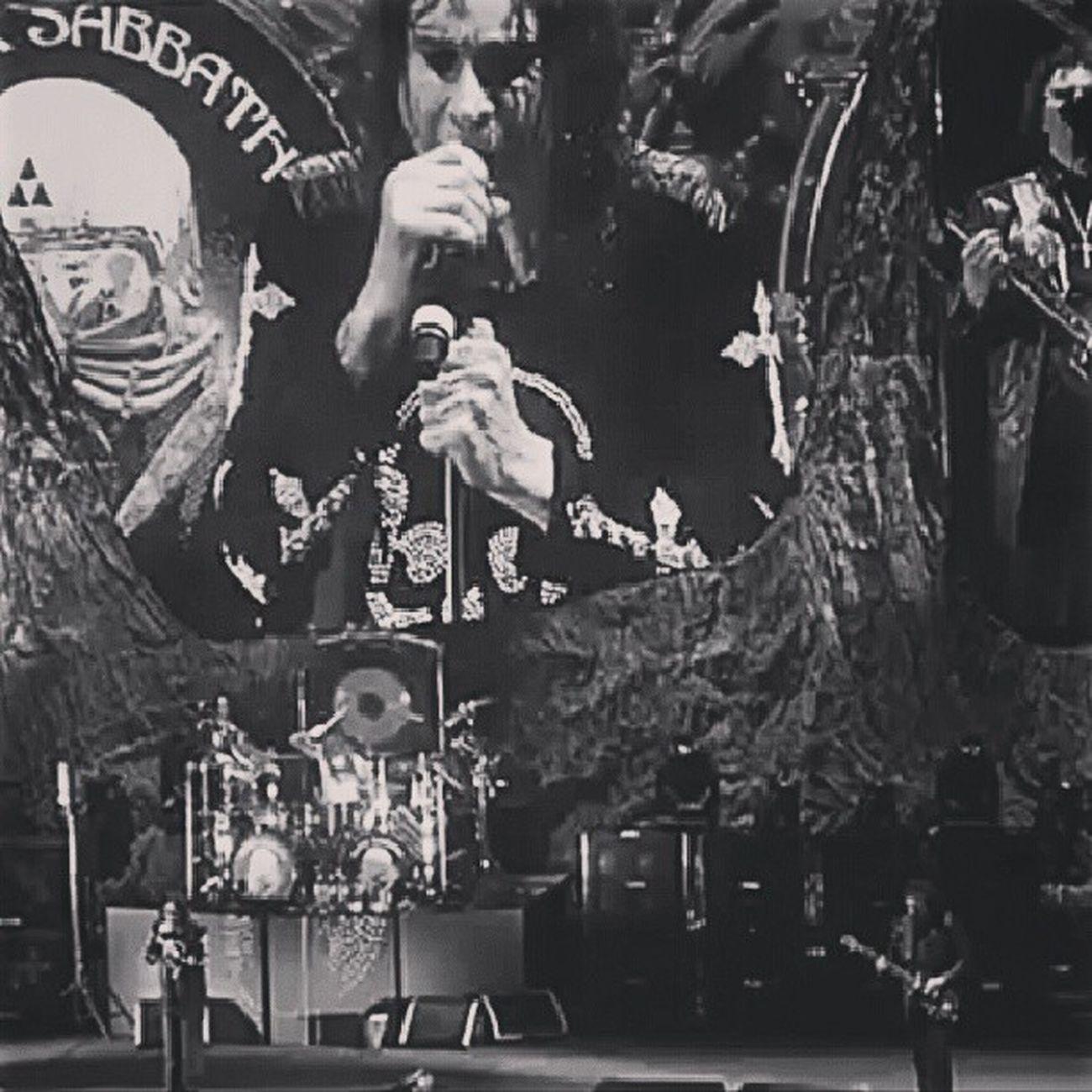 Blacksabbath Ozzy Metal Heavymetal paranoid warpigs music vinyl guitar 13 metal ironman osbourne ozzyosbourne geezer tommyiommi sabbath live in brisabane 2013 australia love like4like band followforfollow rock awesome stage bass blackandwhite