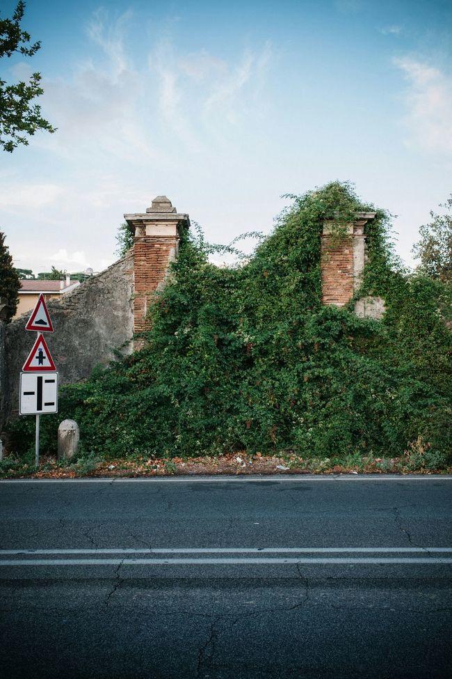 Abandoned Gate Roma Rome Italy 5D Mark II 35mm F2
