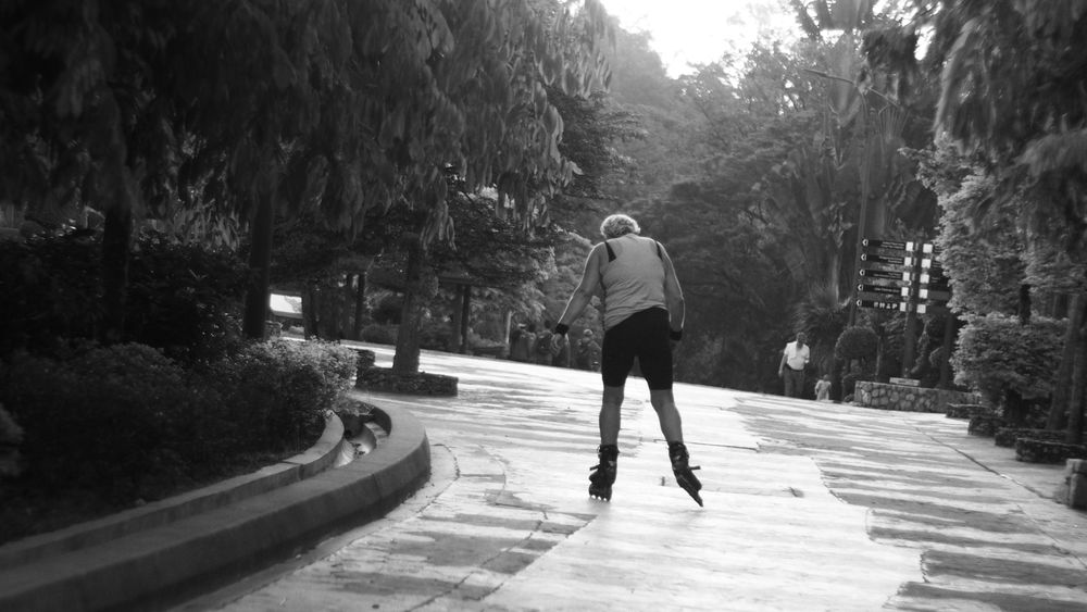 Park Loseyourself Rollerskating Monochrome