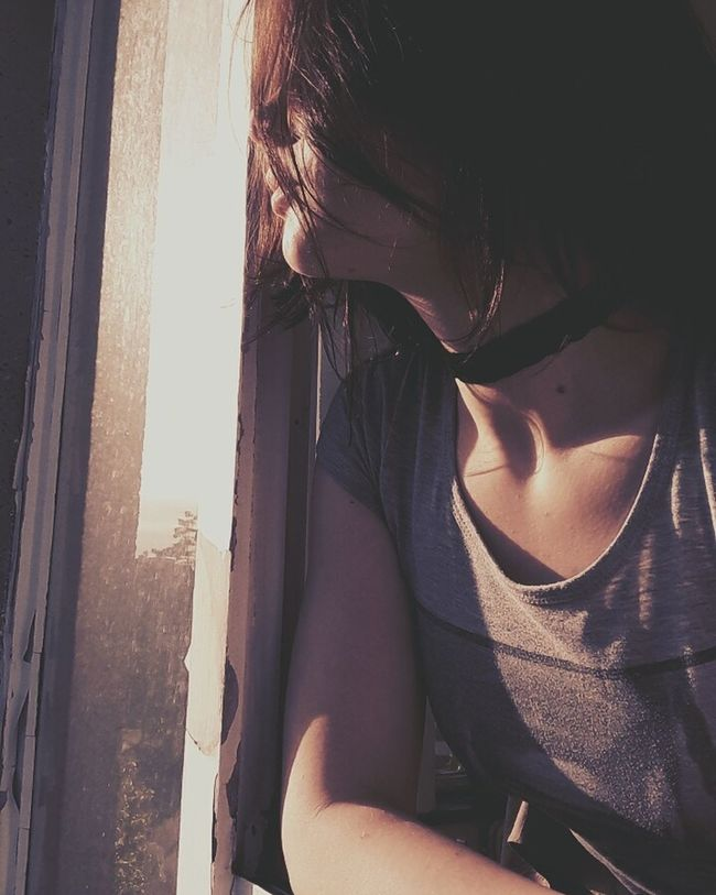 One Person Window Young Adult Young Women Sunlight Looking Into The Future Lips Lookgood Choker Looking Outside Beauty Girl Feeling Good Goodgirl Feeling Pretty Brunette Lovely Taking Photos Today Was A Good Day Feeling Happy Waiting For Summer Today's Hot Look Brown Hair Sunset Collarbones