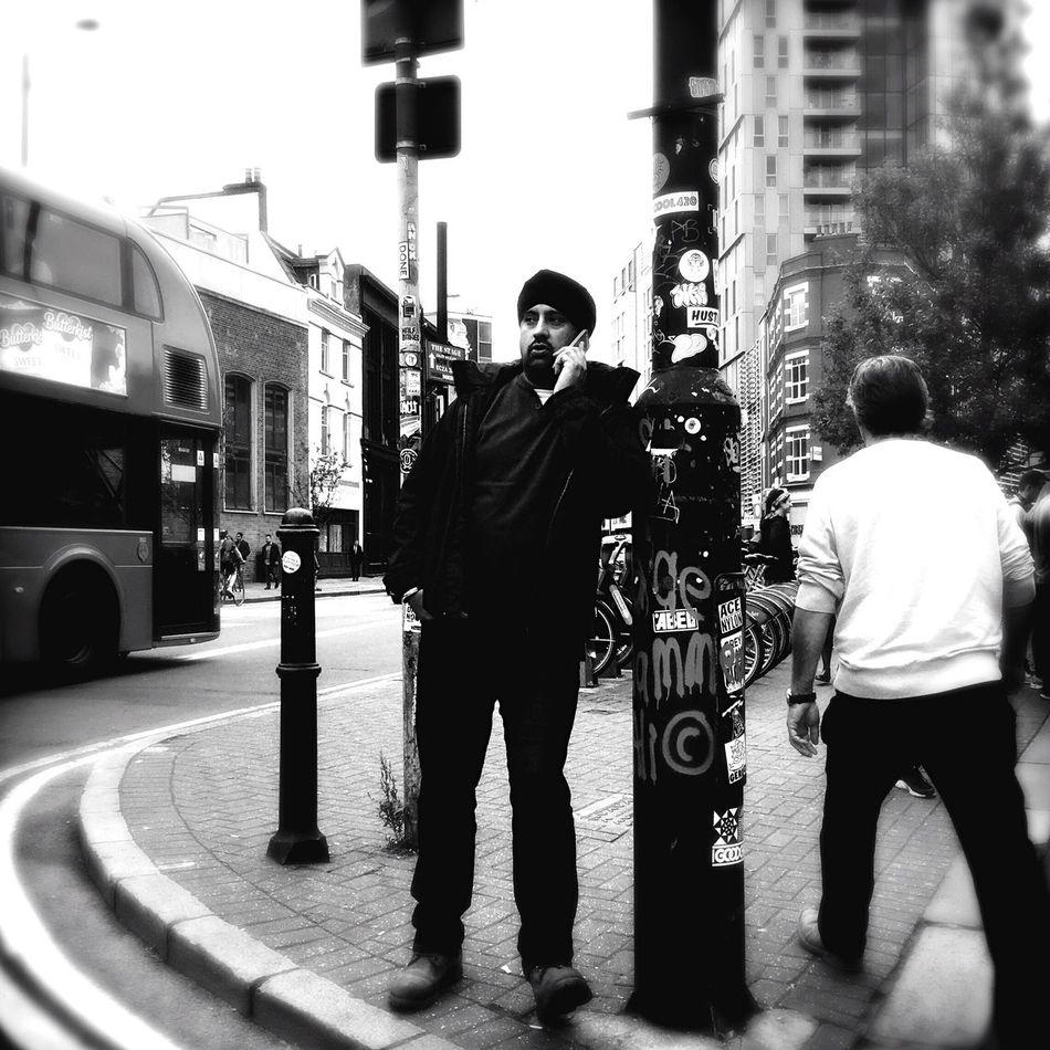 Streetphoto_bw Monochrome Shootermag Shootermag_uk Blackandwhite Candid Streetphotography