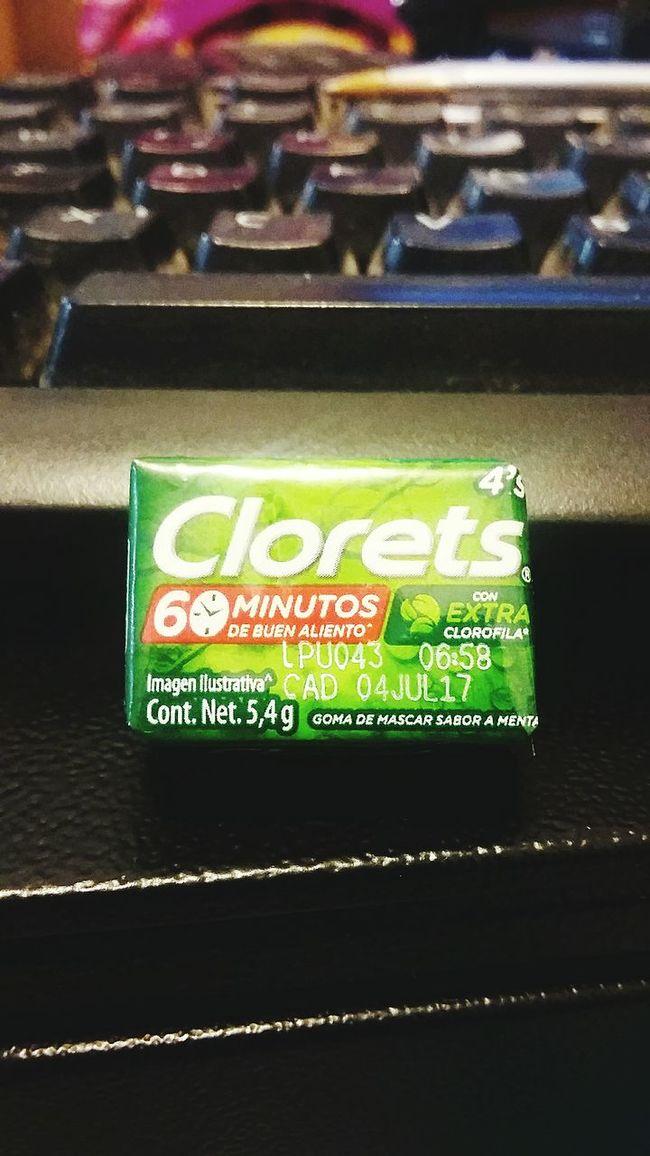 Nunca falta en el trabajo Clorets First Eyeem Photo