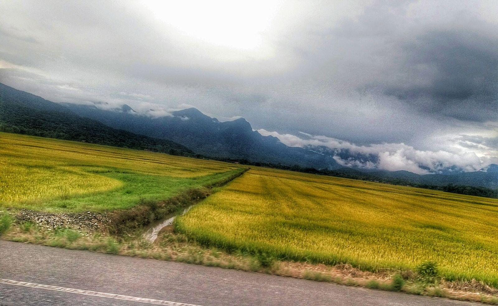 Campo Céu Céu E Nuvem CeuAzul Nuvens Estrada 😚 😚 ☉ Montanhas Verde Nature Natureza Natureza 🐦🌳