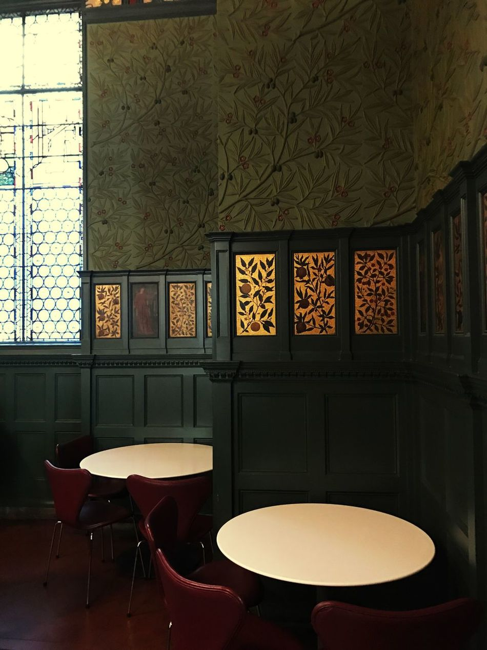 Indoors  William Morris V&A Museum Tranquility Travel London Wall Paper Arts And Crafts