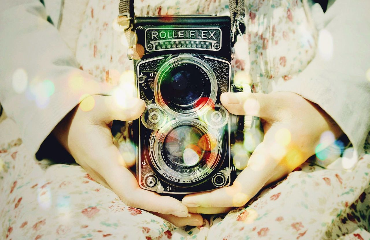 Beautiful stock photos of old, Antique, Camera - Photographic Equipment, Casual Clothing, Day