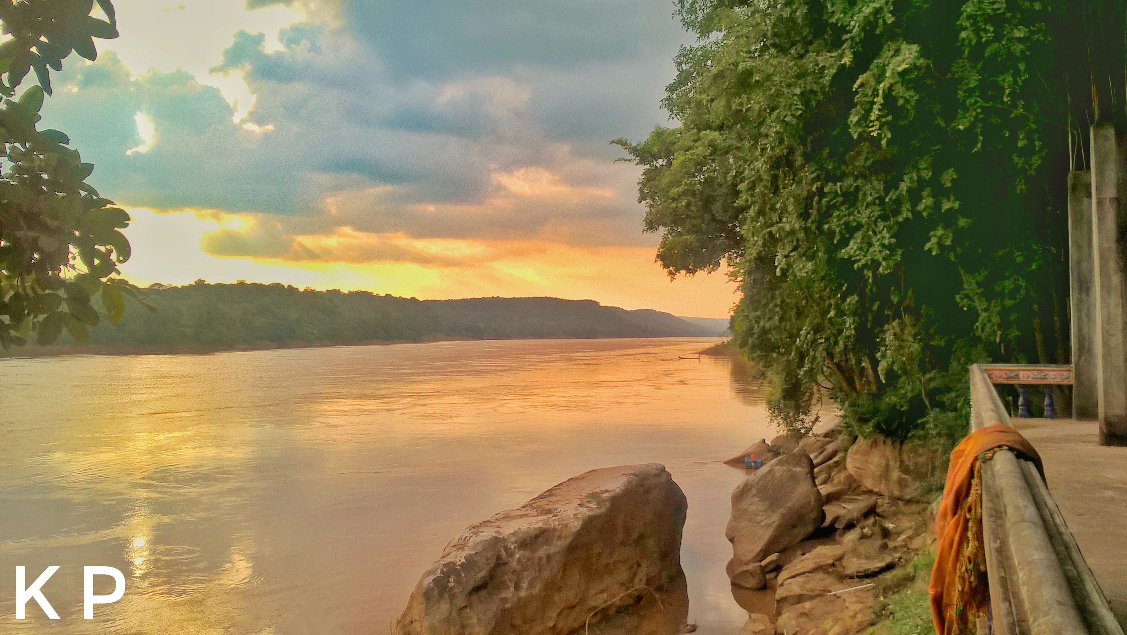 tree, scenics, nature, beauty in nature, mountain, sky, tranquil scene, water, tranquility, no people, sea, outdoors, growth, sunset, landscape, day