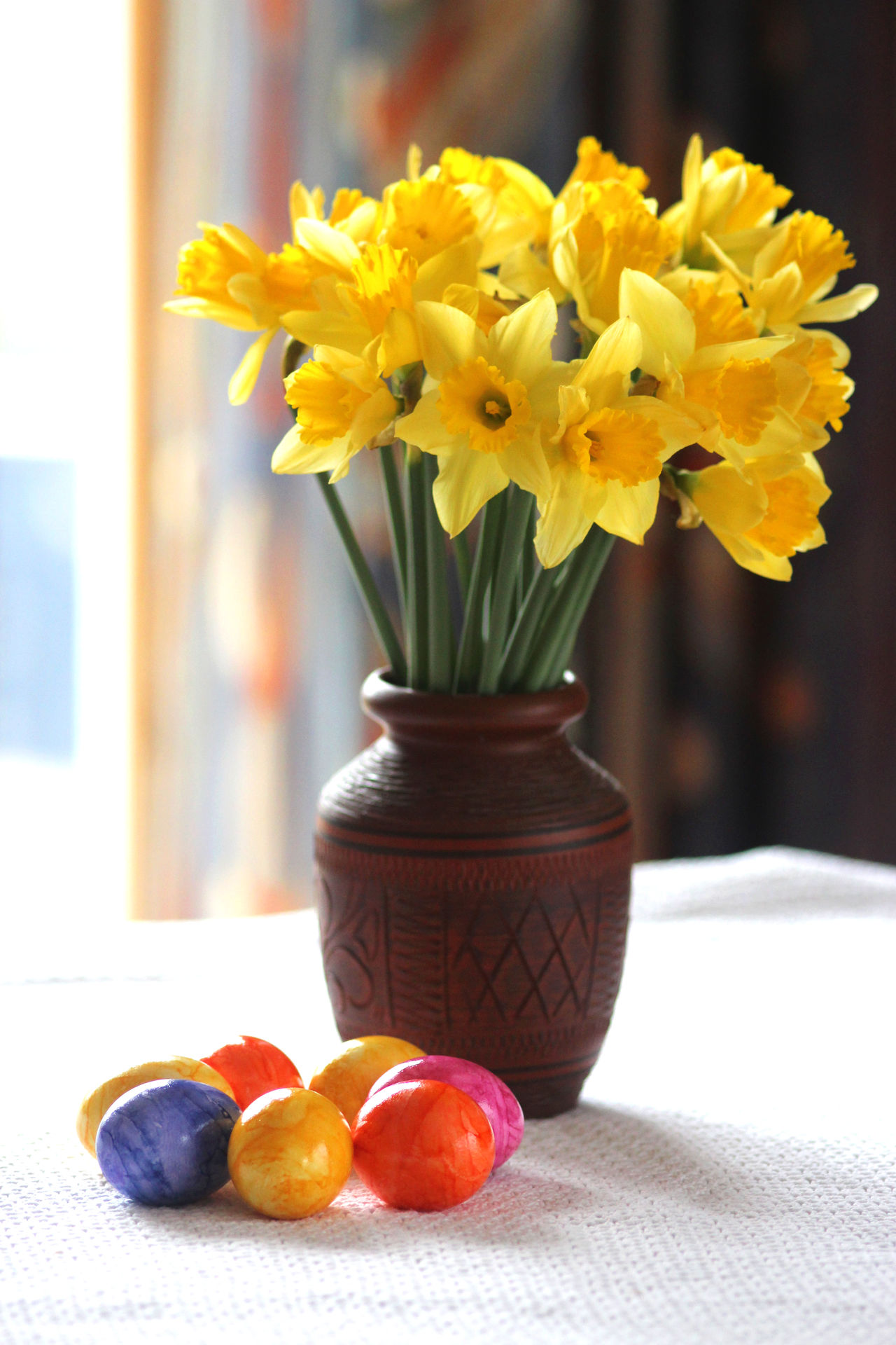 Happy Easter! Daffodils and easter eggs Flower Yellow Nature Fragility Vase Flower Head Freshness Table Beauty In Nature Close-up Flower Arrangement No People Indoors  Bouquet Day Spring Flowers Springtime Celebration Decoration Daffodils Colored Eggs Colorful Colors Easter Ready Easter Eggs