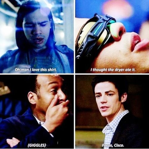 Laughed too much at this part in this episode😂😂 Theflash Ciscoramone Joewest BarryAllen Vibe