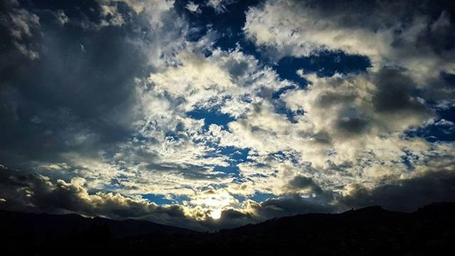 Uio Atardecer Quito Ecuador Sunset Photooftheday Bestoftheday Uio Like4like Tagsforlikes Photographer