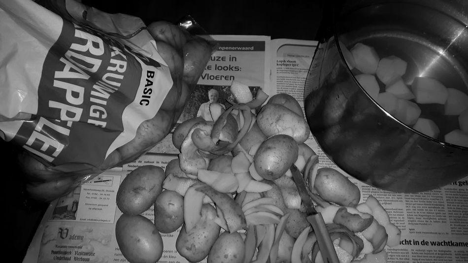 Pealing 10kg Potatoes Potatoes, Organic, Fresh