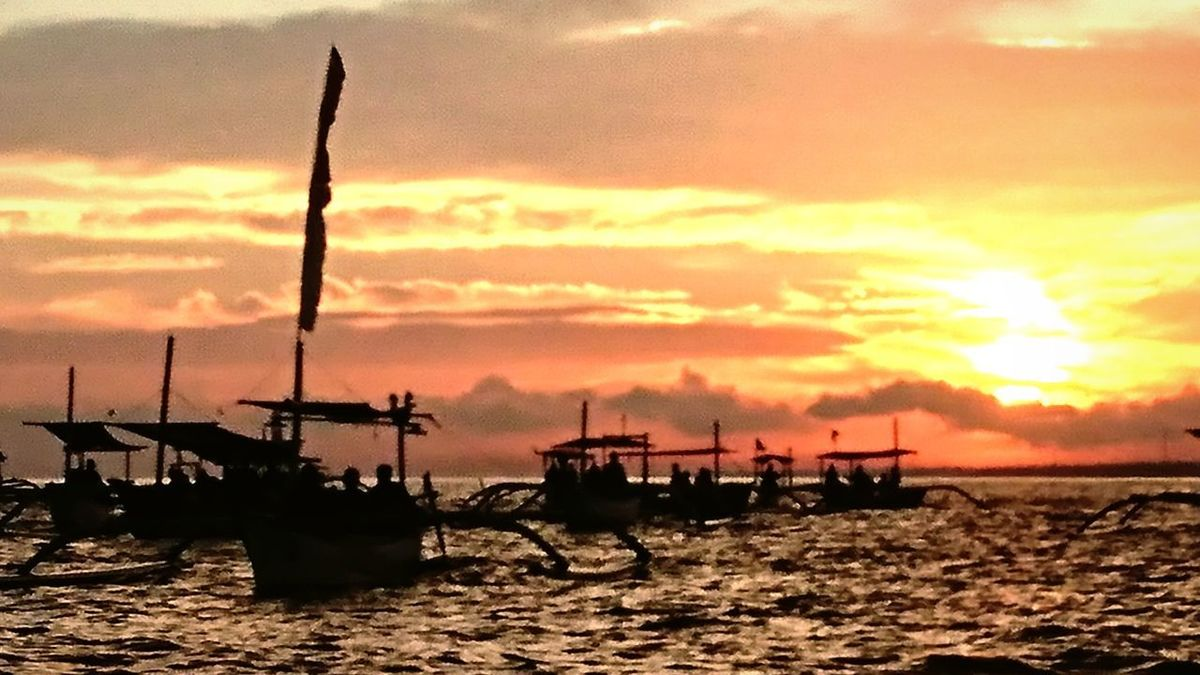 The Great Outdoors - 2017 EyeEm Awards Sunset Sea Silhouette Nature Cloud - Sky Sky Outdoors Water Tranquility Landscape Scenics Nautical Vessel Beauty In Nature Day Dawn Sunrise Boats Sampans Bali, Indonesia