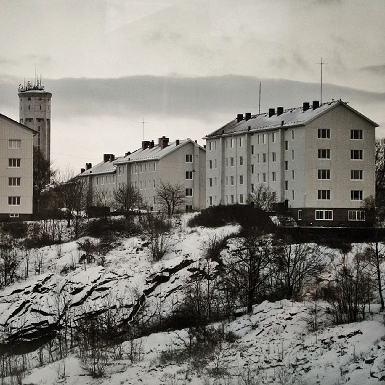 The home of mellbergstedt as seen from my desk at work. Snö  Sverige Trees Nevado Winter Ig_sweden Snow Igersgothenburg Flats Gothenburg Sweden Invierno Goteborg Watertower Hill Homes Nieve Apartments Monochromatic