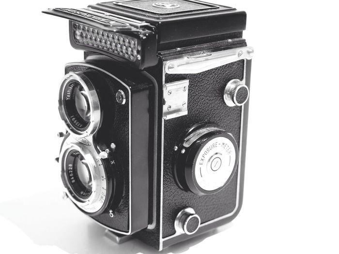 Vintage Yashica TLR from 1957 Medium Format Vintage Camera Old Cameras