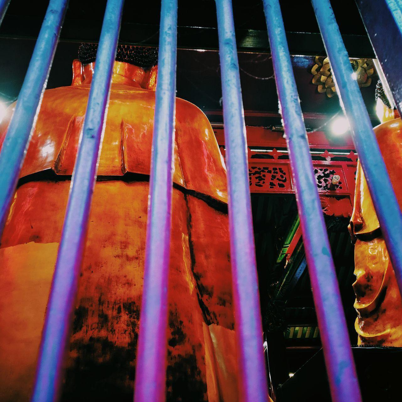 Behinddddd 🙏 Buddha Buddhist Temple Buddhism Buddhist China Town Yaowarat Yaowarat Chinatown Yaowarat Area Photooftheday Photographer Photography Love Thailand Bangkok Thailand