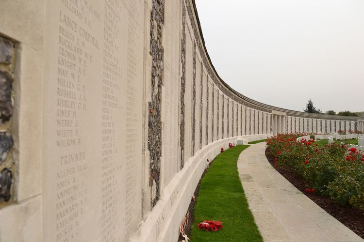 List of fallen soldiers Architecture Day Outdoors Built Structure Grass No People Flower Nature Cemetery