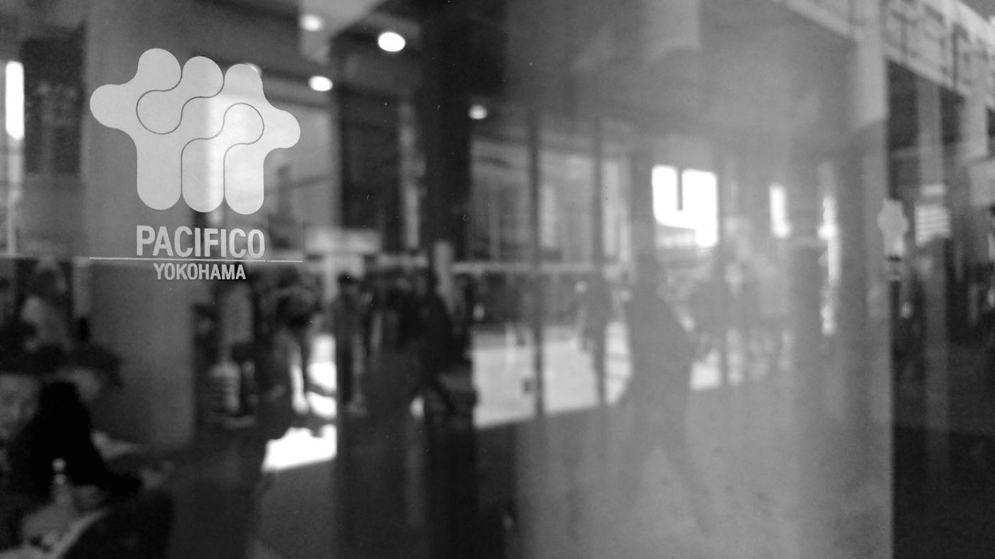 Hello World Enjoying Life Taking Photos Black And White Monochrome Reflection Light And Shadow Lines People Watching People Photography EyeEm Best Shots EyeEm Best Edits EyeEmBestPics EyeEm Best Shots - Black + White EyeEm Best Shots - Reflections パシフィコ横浜 Yokohama