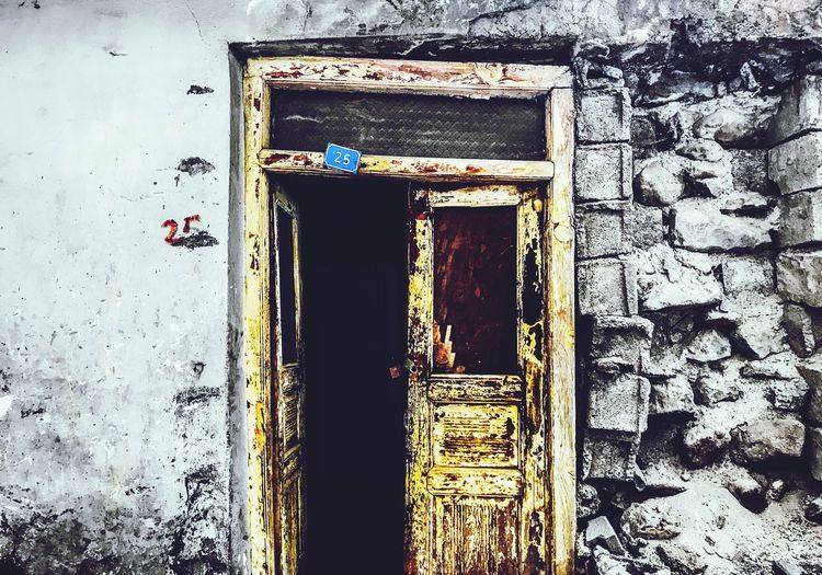 Old Buildings Old House Ruined Building Ruins Architecture Gold Colored The Great Outdoors - 2017 EyeEm Awards