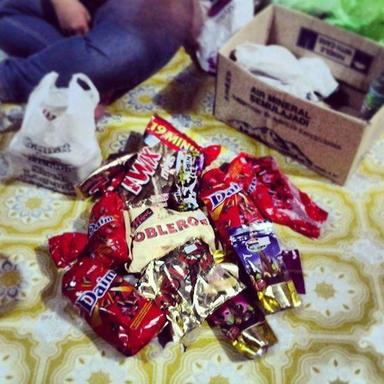 okay, sok dri sarapan sampai makan malam kita makan coklat je Chocolate Candy Daim Toblerone langkawi instaphoto instafood foodporn