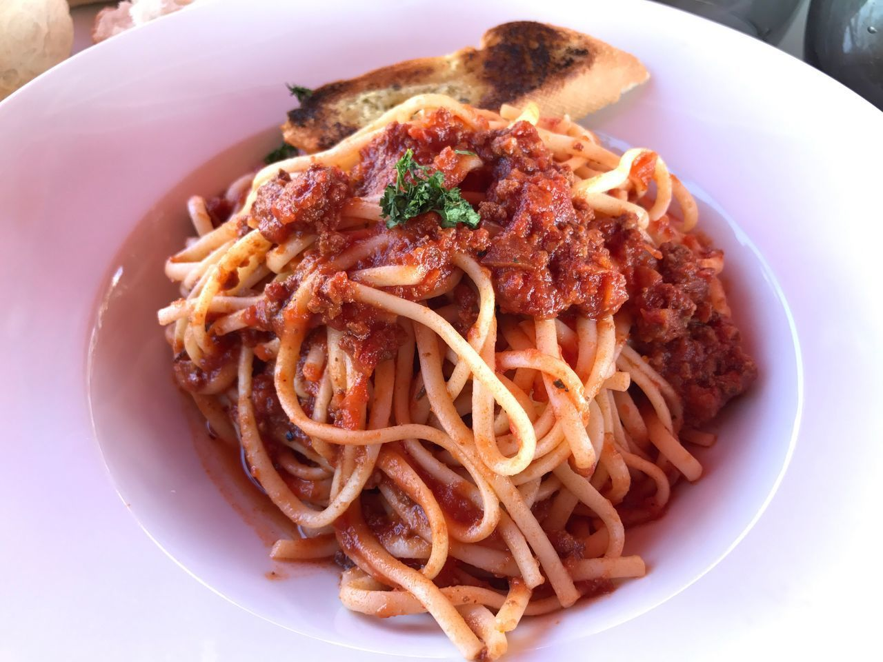 pasta, food, italian food, food and drink, plate, ready-to-eat, freshness, still life, spaghetti, close-up, no people, serving size, meat, indoors, healthy eating, minced, day
