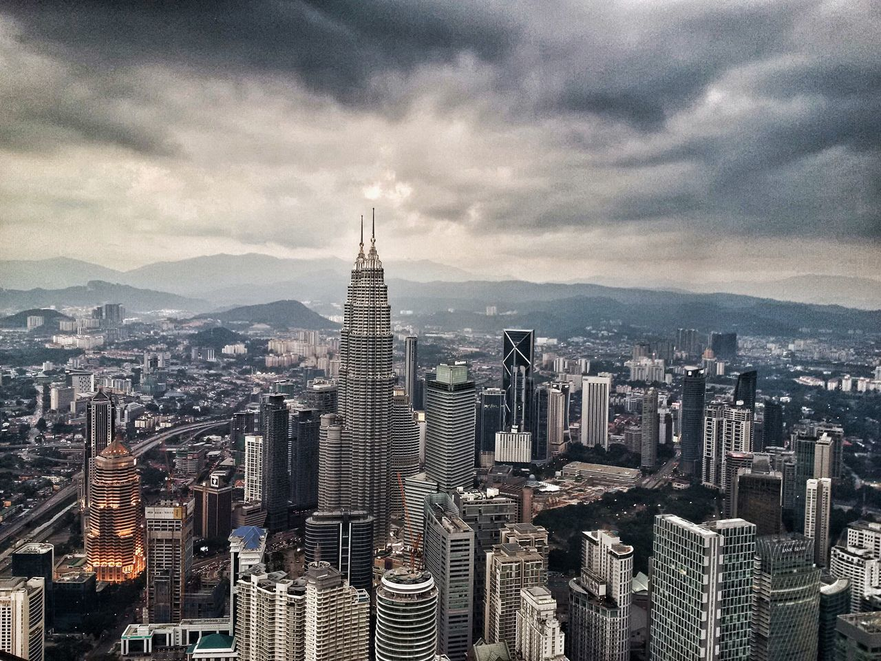 Kuala Lumpur ASIA Kuala Lumpur Malaysia  Petronas Twin Towers Skyscraper KLCC Tower Petronastowers Buildings Cityscape City Storm Cloud Storm Coming Stormy Weather Feel The Journey My Year My View The City Light Neighborhood Map The Architect - 2017 EyeEm Awards