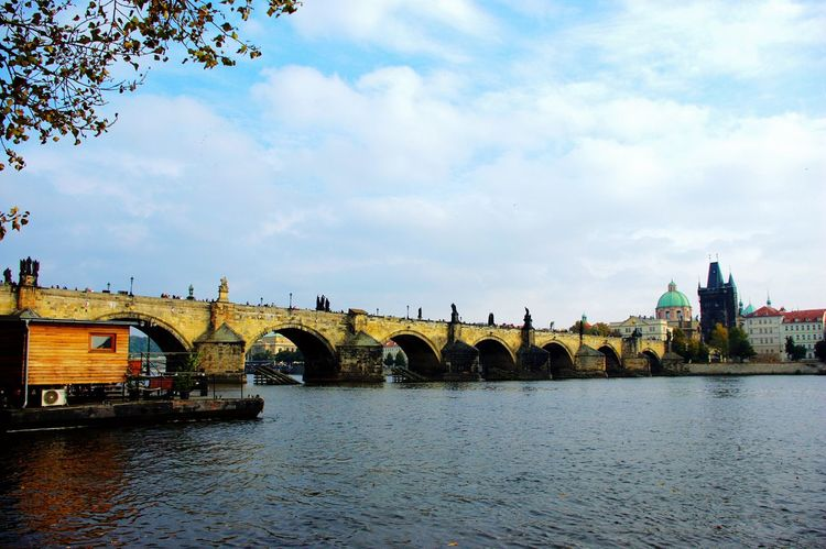 Prague, wanna go there again. Prague Autumn Bridge Travelphotography Memery Europe Urlaub 2014 Prag Landschaft Reisen