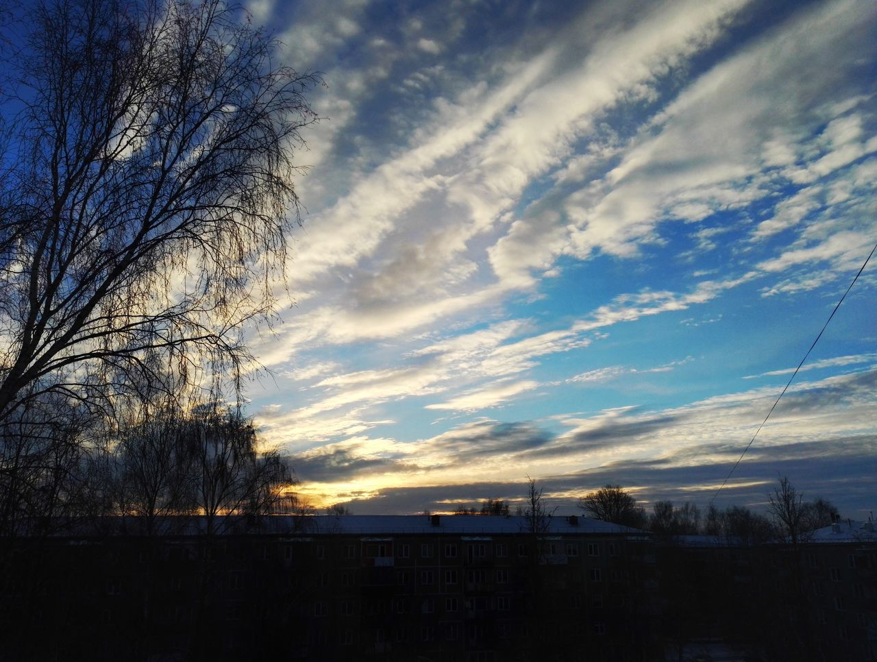 Sunrise Sunrise_Collection Sun Sun_collection Sunlight Sun And Clouds Clouds And Sky Clouds Cloud_collection  Sky_collection Blue Sky Morning Sky Morning Sun View From My Window City Weather Winter Hello World Enjoying Life Cold Temperature Tranquility Tree Beauty In Nature