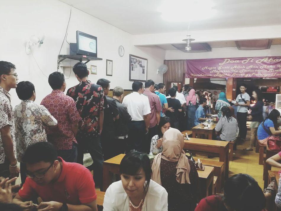 Huge Crowds Of People Foodism Culinary Queue