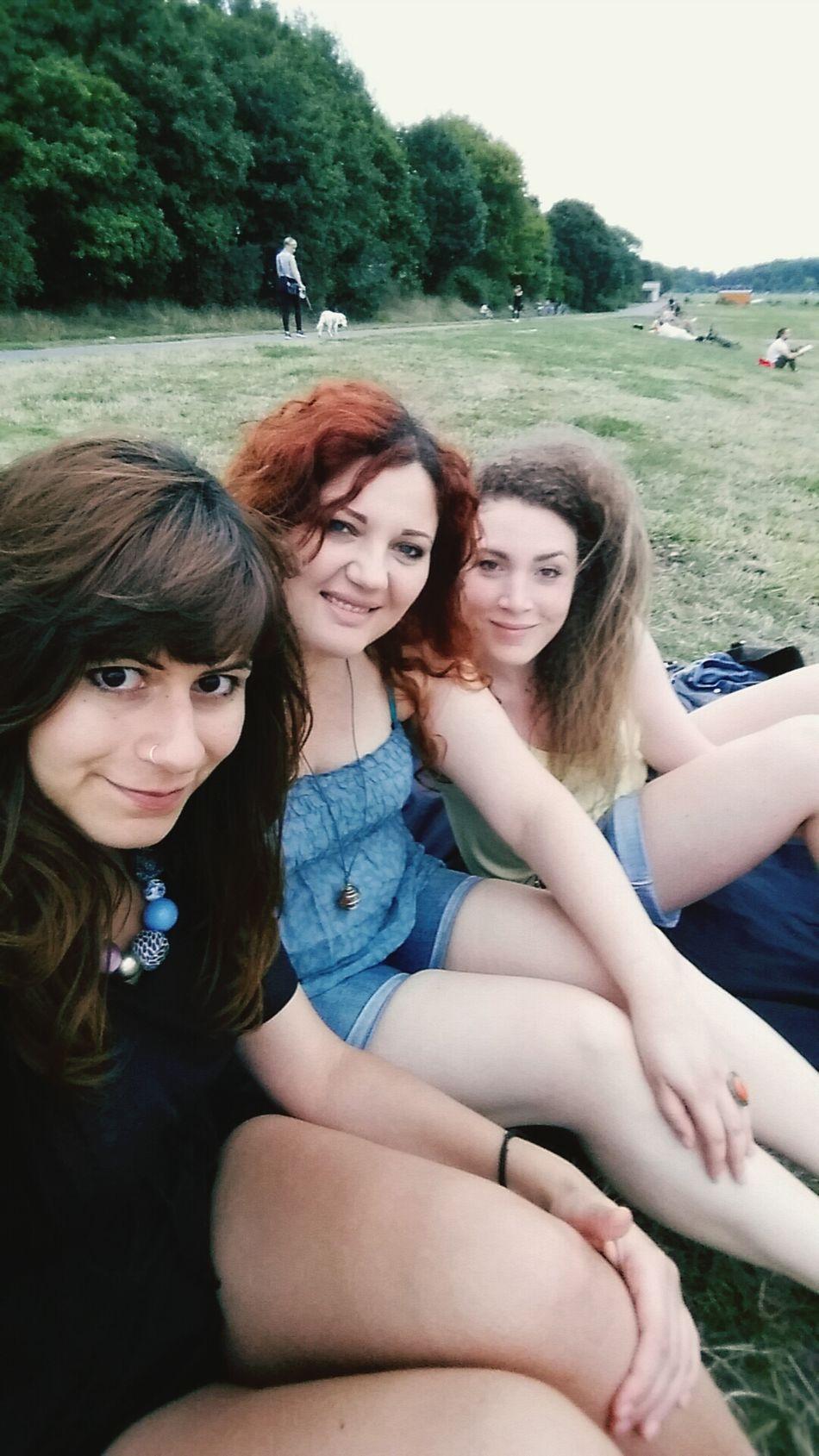 Friends Tempelhofer Feld Graziagraziellaegraziealcazzo Amichette Belle