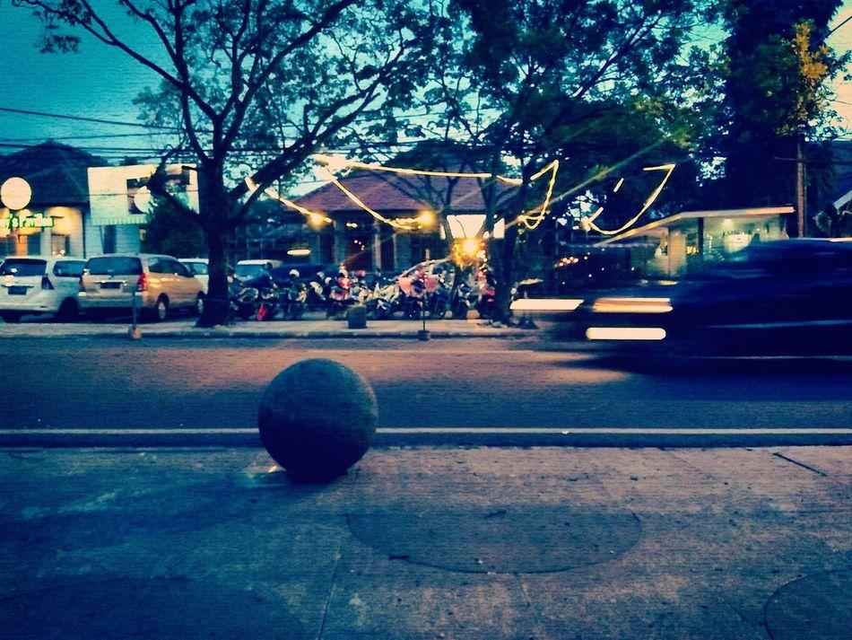 The restaurant in Bandung before the rain