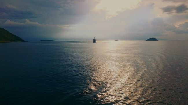 Edge Of The World Ferry Sumbawa Indonesia_photography Sunset_collection EyeEm Indonesia Sony Xperia Z3+ Ships⚓️⛵️🚢