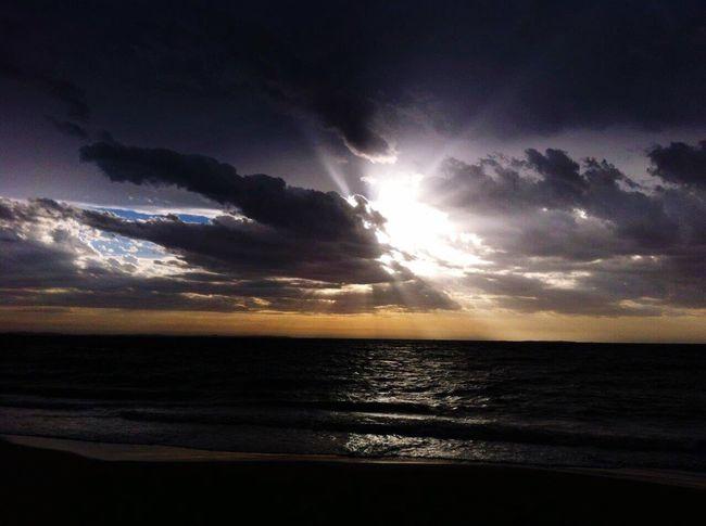 Another beautiful sunset in lovely Freemantle Australia ❤️ Sunset Idyllic bBeauty In Nature sSea nNature sScenics hHorizon Over Water wWater sSunlight tTranquility sSun tTranquil Scene oOutdoors nNo People bBeach sSky AAustralia fFreemantle TTravel EyEmNewHere EyeEm Nature Lover EyeEm Best Shots EyeEm Best Shots - Nature Eyemphoto