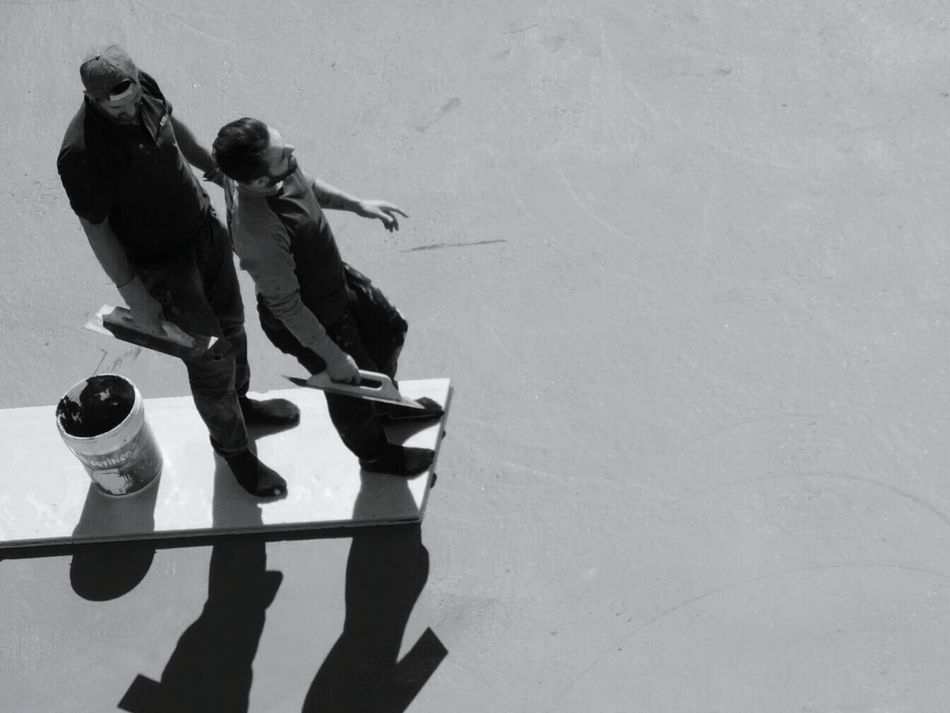 Blackandwhite Black And White Street Photography People Photography Peoplephotography Streetphotography Streetphoto_bw Work Working People Menatwork Men High Angle View Minimalism People Watching A Bird's Eye View Monochrome Photography