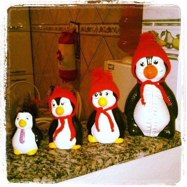 Família reunida... pra coleção da minha mãe. RSS Fam ília Pinguim